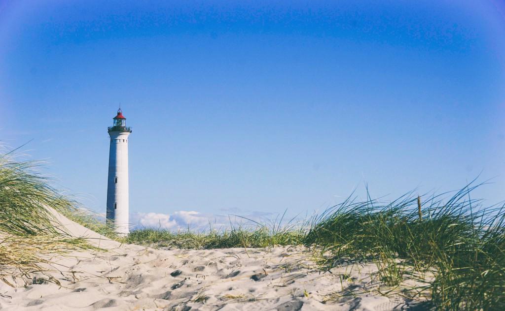 lighthouse-945398_1920